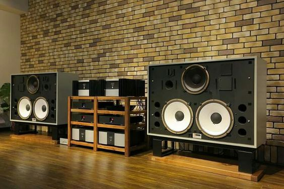 Audiophile Sound System – HD Wallpapers